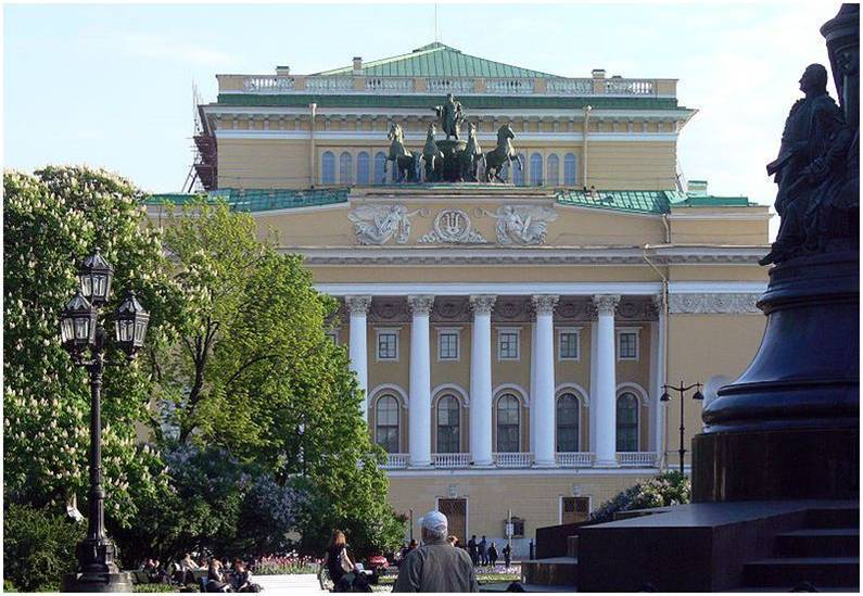 Mariinsky Theatre, St. Petersbourg, Russia - Air conditioning system -EHLDN dry coolers and EHVD air cooled condenser with WWS (water spray system)