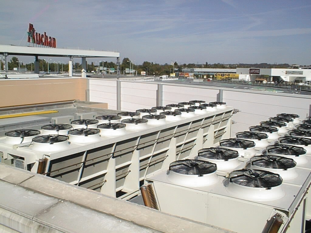 AUCHAN - Luxembourg.SHVD air cooled condenser with Spray System