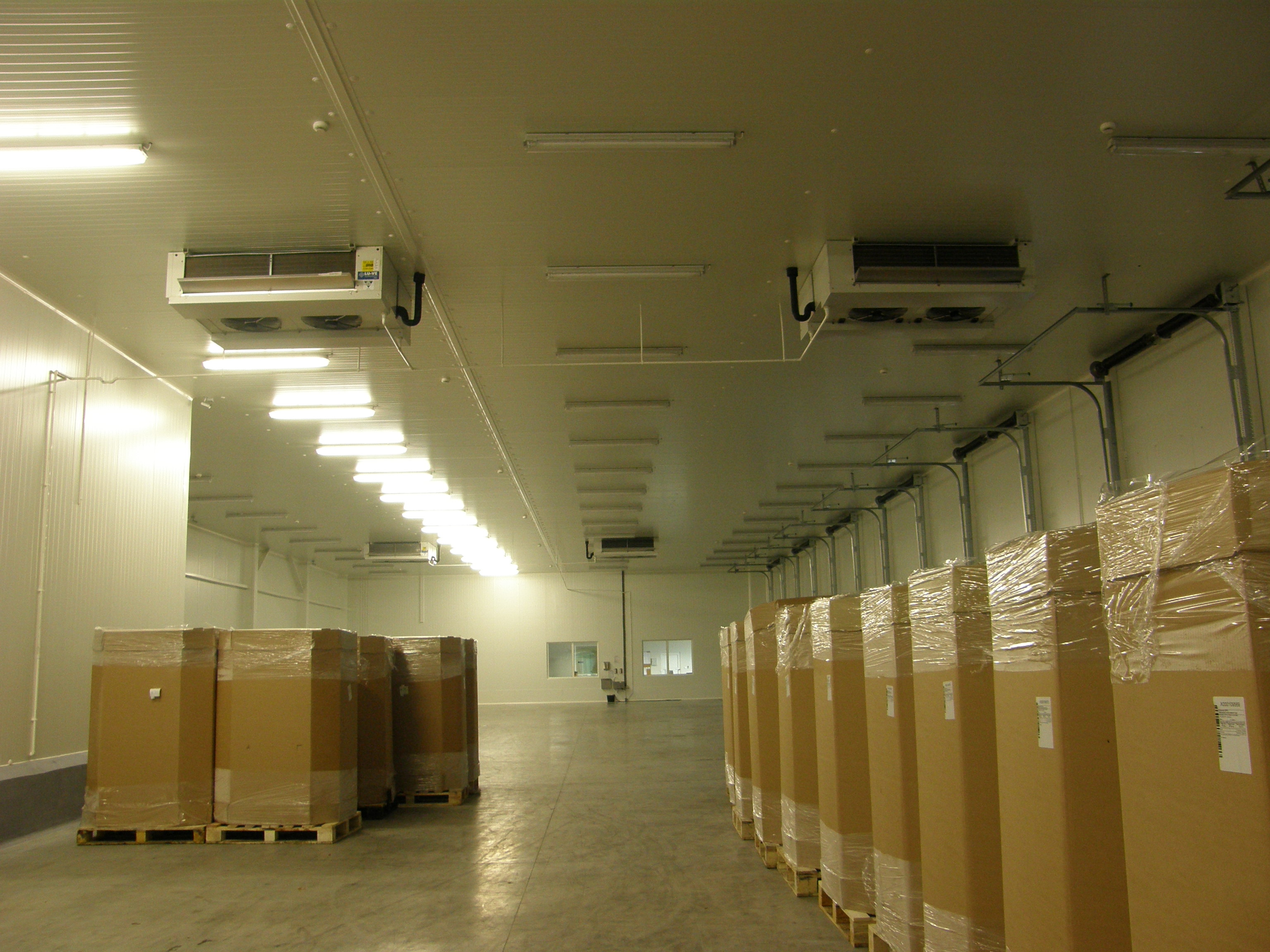Logistic Centre - Near Warsaw, Poland - Prechamber - HDI Industrial unit cooler